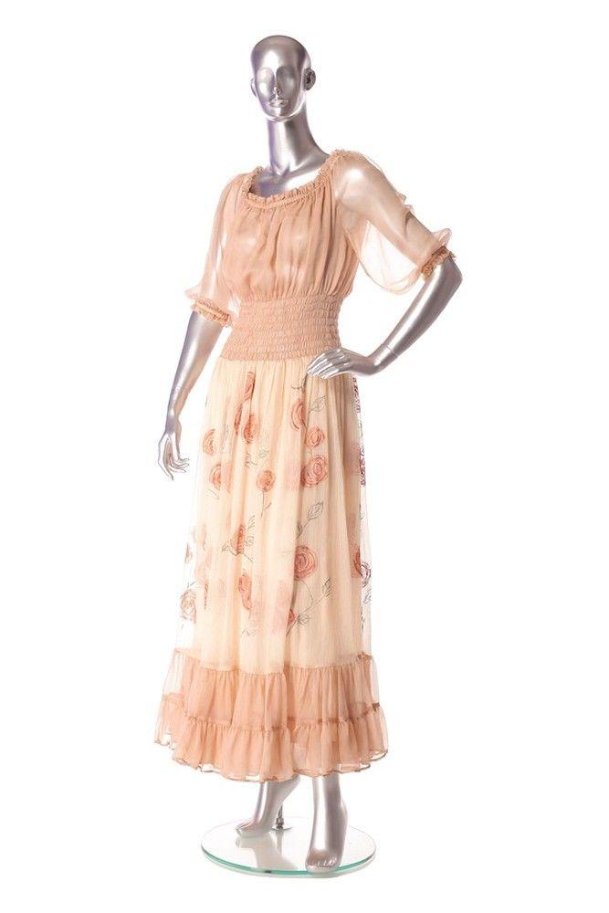 Dress veil Composition : 100% silk. Order by phone : +4 0727 781 988