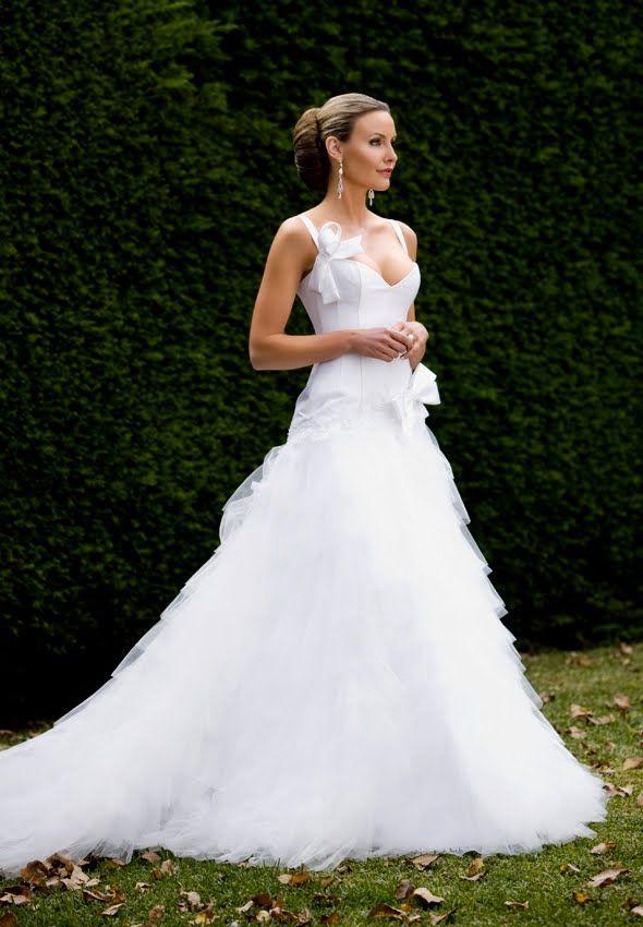 beautiful alex perry bridal wedding ideas pinterest beautiful alex perry and alex o 39 loughlin. Black Bedroom Furniture Sets. Home Design Ideas