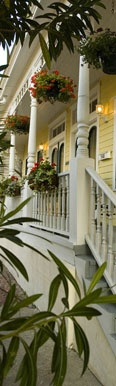 My Favorite place to stay in Savannah, GA (best breakfasts EVER)!