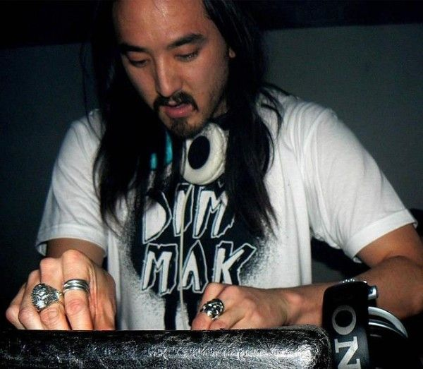 Steve Aoki Remixes 2 Unlimited's 'Get Ready'  http://www.edmsauce.com/2013/10/01/2-unlimited-get-ready-steve-aoki-remix/