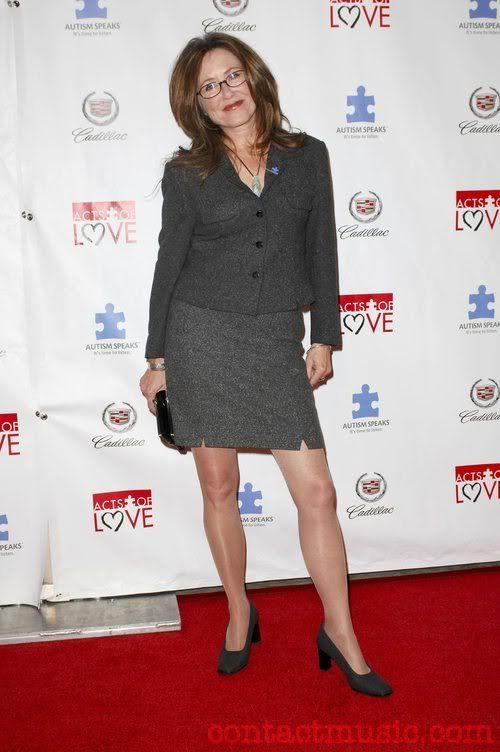 Mary mcdonnell legs