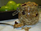 Cinnamon Spiced Granola (Low Calorie Cooking) - been looking for a recipe to try.