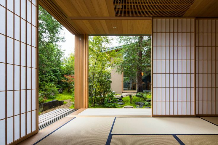 large areas of glazing dissolve boundaries between internal and external space, emphasizing the close bond the structure shares with its surroundings.