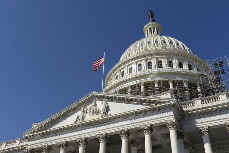Οι αμερικανικές προεδρικές εκλογές διεξάγονται την Τρίτη που ακολουθεί την πρώτη Δευτέρα του Νοεμβρίου, σύμφωνα με νόμο του 1845. Φέτος αντιστοιχεί στην 8η Νοεμβρίου.