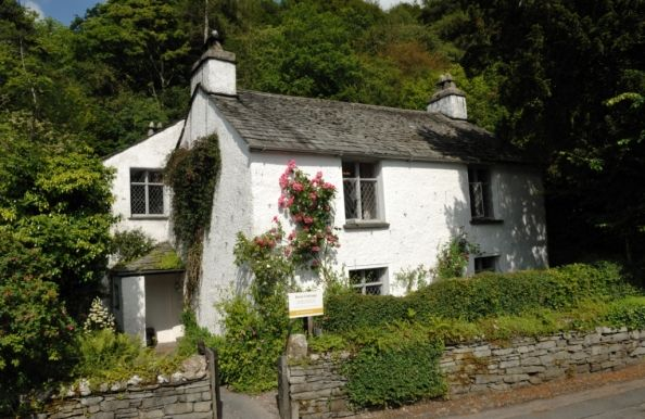 Learn all about William Wordsworth and his romantic poet contemporaries at Dove Cottage, one of his beloved homes in the Lake District.