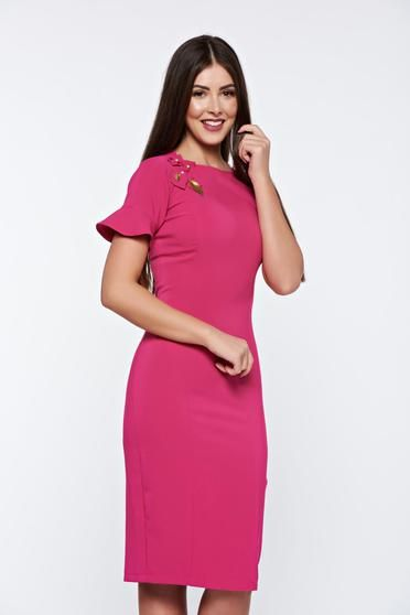 Rochie LaDonna roz eleganta captusita pe interior cu aplicatii cusute manual - http://hainesic.ro/rochii/rochie-ladonna-roz-eleganta-captusita-pe-interior-cu-aplicatii-cusute-manual-34c06a376-starshinersro/