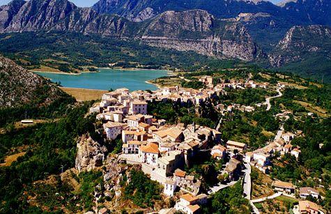 Castel S. Vincenzo #Molise #Italy - #AbruzzoRuralProperty
