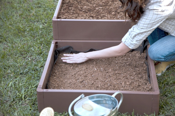 Tips for planting a raised-bed garden. #DIY