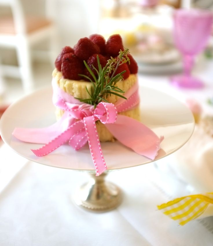 """Vanilla Bean Cheesecake, for the """"Tea Party"""" by Michelle and Beatriz"""