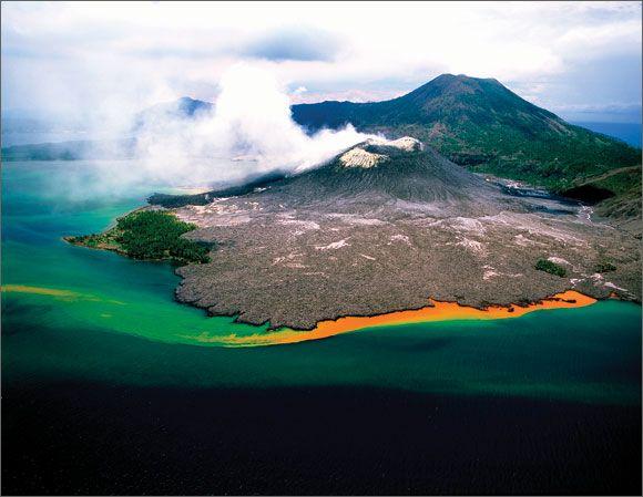 Rabaul, una caldera volcánica activa… ¡junto al mar! Te hablamos de ella en: http://blog.viva-aquaservice.com/2013/10/23/rabaul-una-caldera-volcanica-activa-junto-al-mar/