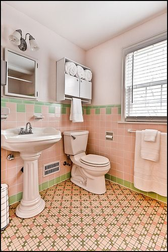 38 best vintage tile bathrooms images on pinterest for Pink retro bathroom ideas