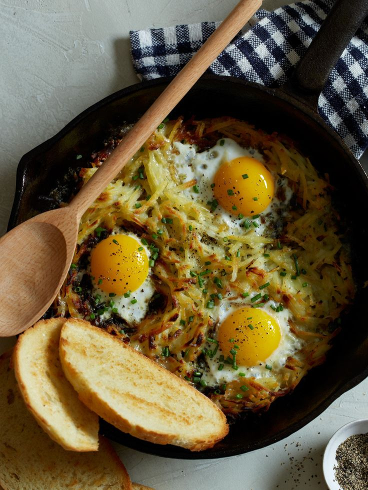 Simple Cheesy Skillet Hash Browns and Eggs