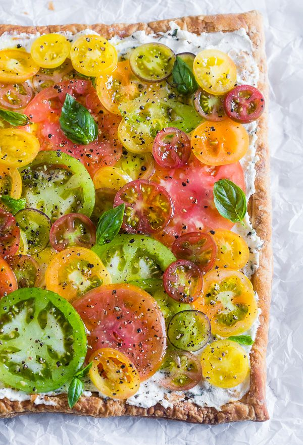 This super simple heirloom tomato tart is made with puff pastry, lemon ...