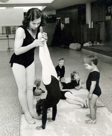 Patsy Swayze Houston Dance School   patsy swayze 2 of 10 patsy swayze founded and directed the houston ...