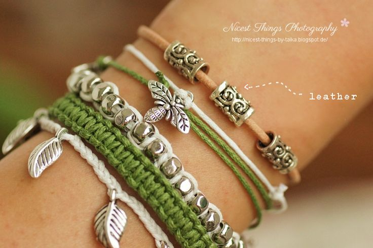 DIY Armbänder Anleitungen:  kukuwaja: einfache Knotentechnik  http://kukuwaja.blogspot.de/2012/08/1-diy-armband-in-pastelltonen-teil-des.html  nicestthings weitere Anleitungen  http://nicest-things-by-taika.blogspot.de/2012/08/diy-nature-lover-armcandy.html