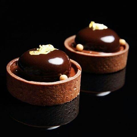 @krissharv3y #chocolatejewels #σοκολάτα #chocolate #chocolat #schokolade #شوكولاته #巧克力 #チョコレート #шоколад #chocolatelovers #chocoholic #patisserie #chef #pastrychef #chocolatier