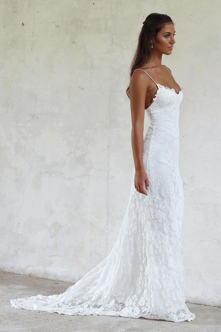 Designed for the minimalist bride who wants to make a statement in the most subt…