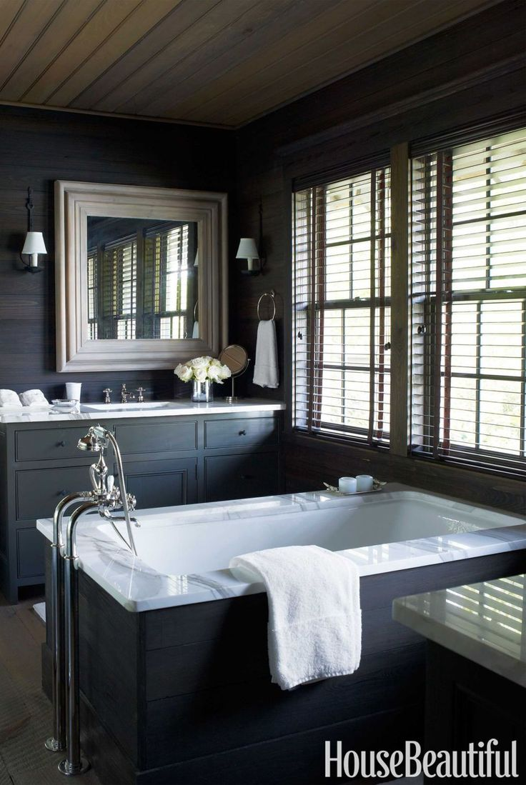 15 Black And White Bathrooms That Feel Fresh And Luxurious