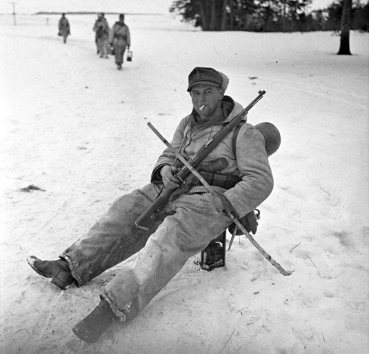 A German Gebirgsjäger taking a break. Eastern Front, 1942.