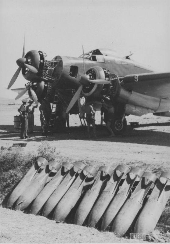 Service of the Italian bomber SM.79 «Sparviero»