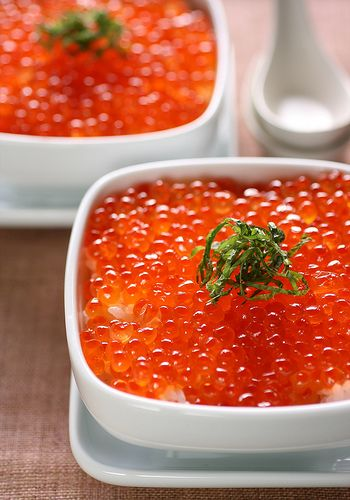 ikura-don    ikura-don is a kind of rice dish. 'ikura' is salmon roe. Even if it's Japanese calorie bomb,