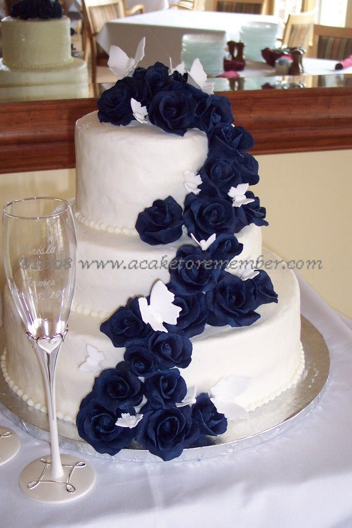 Navy Blue Wedding Cakes | http://www.acaketoremember.com/images/blue_chocolate_roses2.jpg