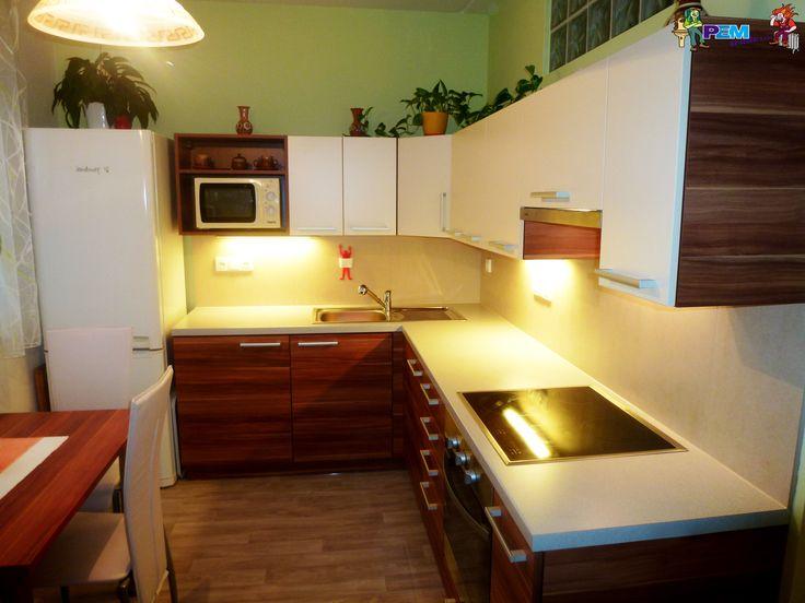 Výsledek obrázku pro rekonstrukce malé kuchyně v paneláku