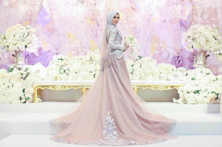 Majlis Resepsi Irshad & Hanis9 September 2017JW Marriot Putrajaya#irshadnones ____________Official Photographer @hamizahhhh Official Videographer @wsvs.coBride's Dress @rizmanruzainiGroom's Suit @dloris.couture Hijab @tudungruffleMakeup @ramzamodeHandbouquet @flower_byqueenHenna @jeaahennaBridemaids Hijab @tudungruffle Bridemaids Dress @jepandjayFlower Girl Dress @hijabista.hubCandy Buffet @piknik.coDeco @mahligaicreative ____________#malayphotographer #weddings #malaywedding…