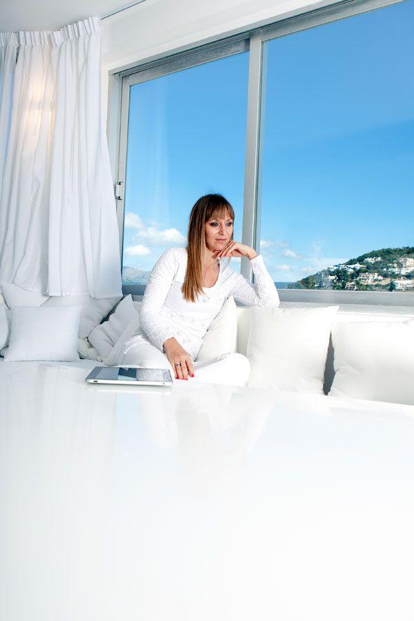 Apartments in Mallorca, Model ist Christina Schüller, sie hat eine Hochzeitsagentur in Mallorca, mehr unter: http://www.t-estim.eu
