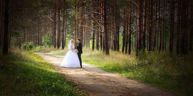 Dove vorreste celebrare il vostro matrimonio? Il team di Evento Vincente si occuperà insieme a voi dell'organizzazione delle vostre nozze. Scegliete una cerimonia in chiesa, o in mezzo alla natura o sul mare noi vi seguiremo attraverso tutta la preparazione del vostro giorno più bello