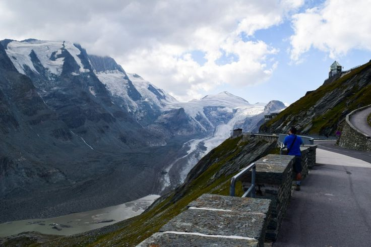 Grossglockner mit Pasterzengletscher http://www.travelworldonline.de/traveller/hohe-tauern-mit-dem-auto-glockner-hochalpenstrasse/?utm_content=bufferde241&utm_medium=social&utm_source=pinterest.com&utm_campaign=buffer ... #berge #mountains #alpen #alps #panoramastrasse