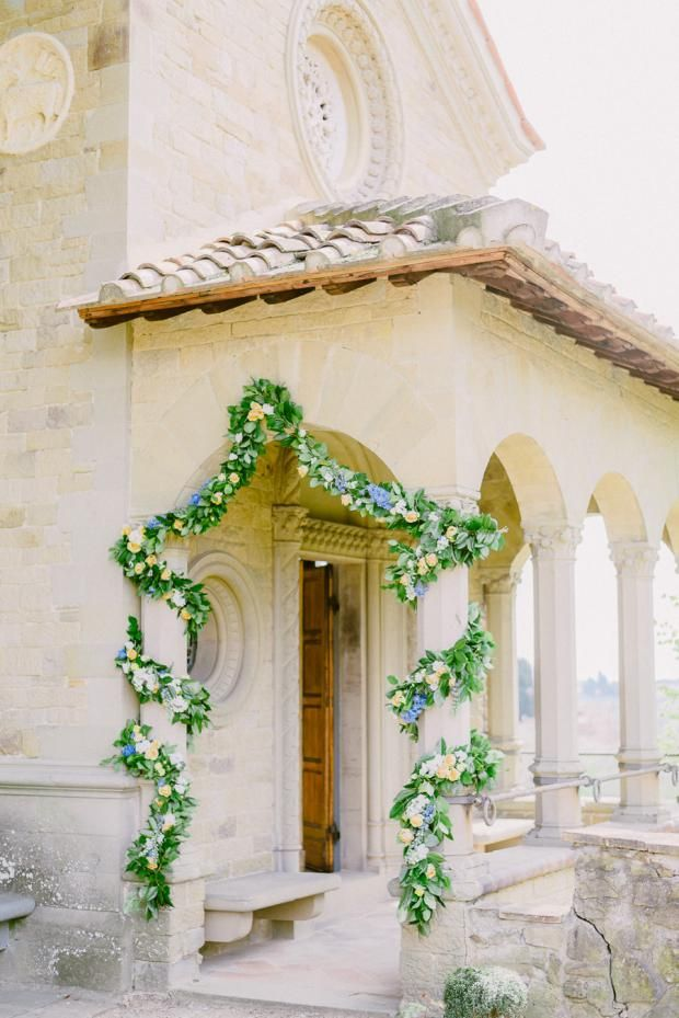 Romantic And Bohemian Wedding In A Beautiful Tuscany Villa In Italy