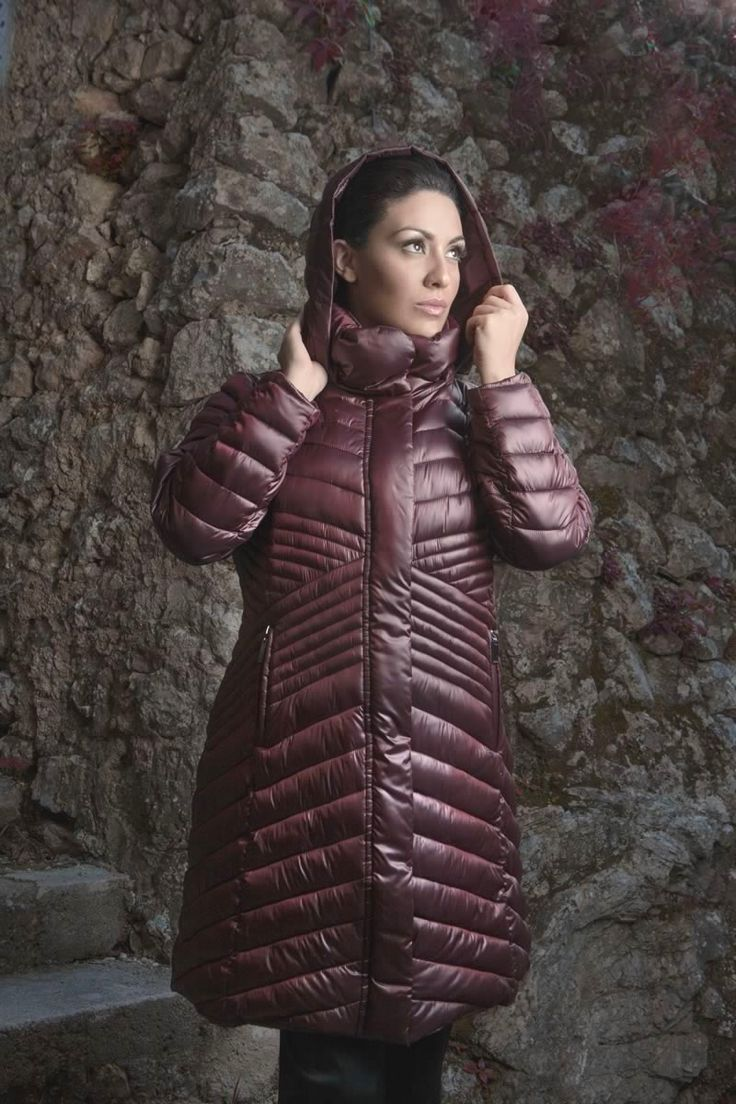 Piumino #LindasOver color rosso. Seguici su www.lindas.it