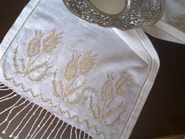 Nazire'nin Elişleri ...... http://nazireyildirim.blogspot.com/ tel kirma: wire embroidery