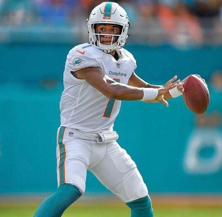 Tua Tagovailoa Dolphins In 2020 Miami Dolphins Wallpaper Miami Dolphins Football Miami Dolphins Players
