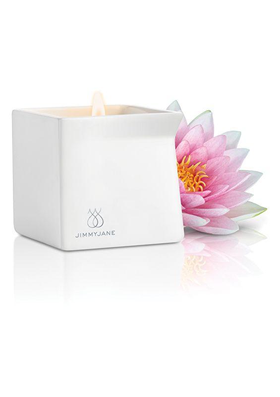 Wil jij je partner een écht origineel, romantisch en sensueel cadeau geven voor Valentijnsdag? Bij Patty's Treasure verkopen wij heerlijk geurende massage kaarsen… De perfecte start van een onvergetelijke romantische avond! Nieuwsgierig? Neem dat snel een kijkje op de website.. http://www.pattystreasure.nl/a-42818274/massage-kaars/afterglow-candle-pink-lotus/