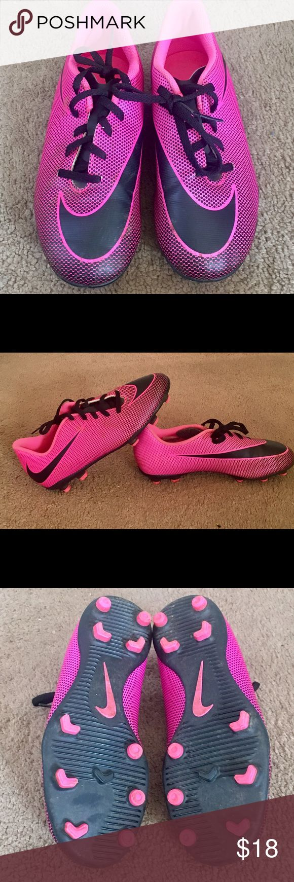 Nike sz 5.5 Girls Soccer Cleats- mint Mint condition girls soccer cleats worn 1 time. I purchased for my daughter for the last game of the Fall season and her foot has grown and now they do not fit . They cost me $45 plus tax in Dicks. Great deal for anyo