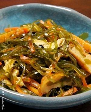 楽天が運営する楽天レシピ。ユーザーさんが投稿した「我が家の常備菜⑤ 切り昆布の炒め煮」のレシピページです。生の切り昆布が売ってる春の常備菜です。温かくても冷たくてもおいしい♪。切り昆布の炒め煮。切り昆布(生),人参,油揚げ,さつま揚げ(ミニ),太白胡麻油,<調味料>,だし汁,精酒,砂糖,みりん