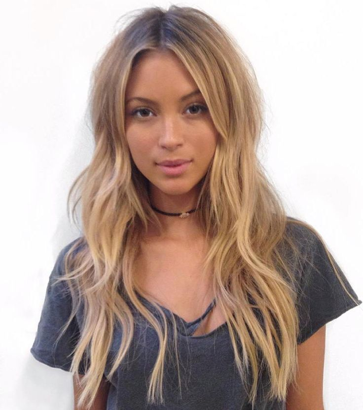 Layered+Centre-Part+Hairstyle+For+Long+Hair