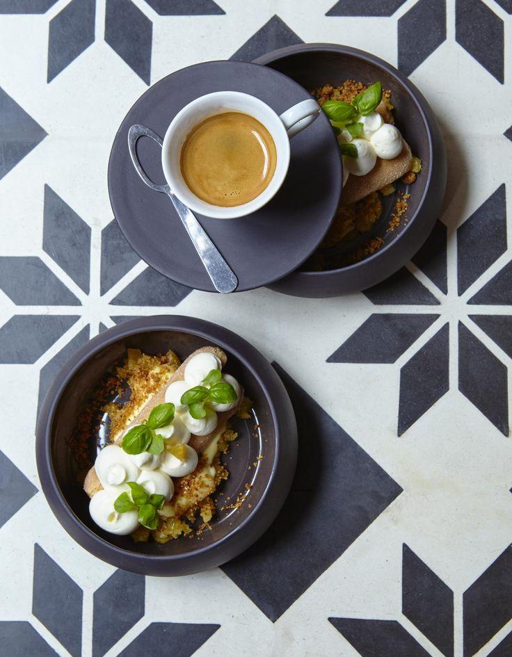 http://www.elle.fr/Elle-a-Table/Recettes-de-cuisine/Tiramisu-coco-et-crumble-3076783