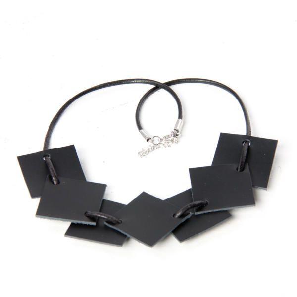 KORU Black Necklace | Väska