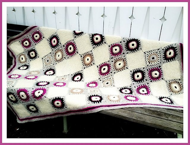 Ravelry: 93-1420 Heklet og strikket teppe crochet pattern by PT Design of Norway