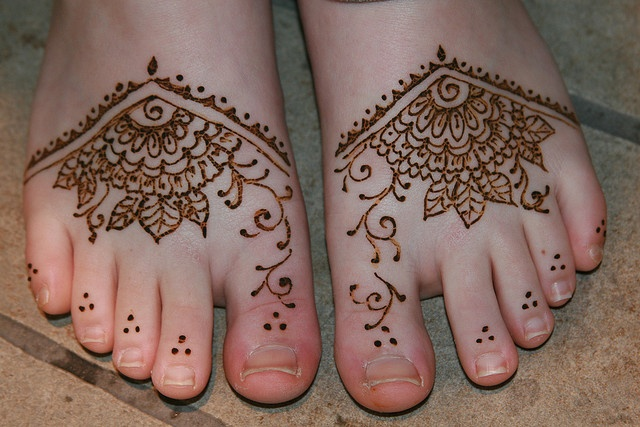 17 ideas about simple foot henna on pinterest simple for Simple foot tattoos