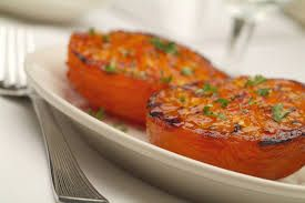 BROILED TOMATOES Ruth Chris Steak House Copycat Recipe Serves 4 4 large tomatoes 1 cup fresh bread crumbs 1/4 cup melted butter ...