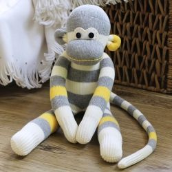 tutorial to DIY your own sock monkey
