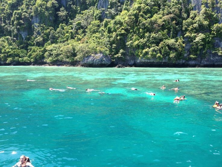 The beautiful waters of Thailand <3
