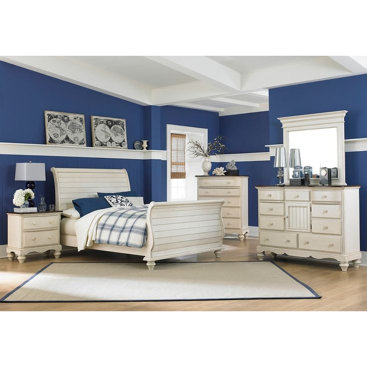 Hillsdale Furniture s Pine Island Old White Wood Sleigh Bed with matching  whte bedroom furniture collection. 17 Best ideas about Craftsman Sleigh Beds on Pinterest   Craftsman