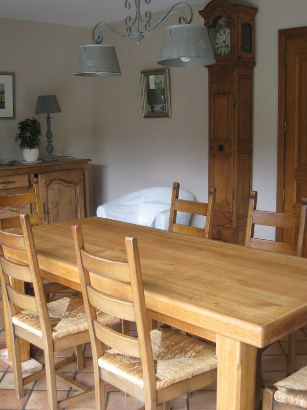 Eclaircir Une Table En Chene Patines Couleurs Meuble Chene Table En Chene Et Mobilier De Salon