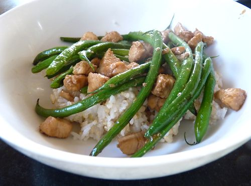 chicken green bean over rice OMG. This was so good tonight for dinnerI added carrots and broccoli and fresh ginger. Yum yum. I got 10 fingers up from the little ones. Now thats saying something!