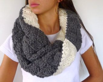 4310dfdf1638f Bufanda original hecha a mano. Bufanda de lana para mujer ...